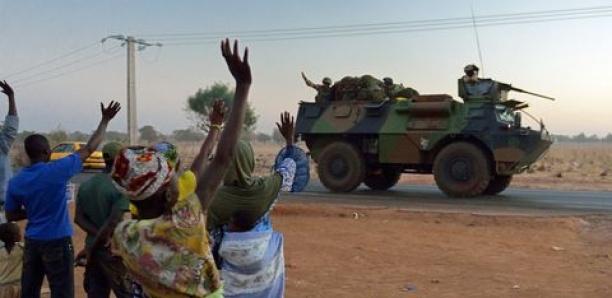 Mali: la population manifeste son soutien à l'armée nationale et rejette la France