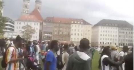 Image - Des Sénégalais d'Allemagne marchent à Munich