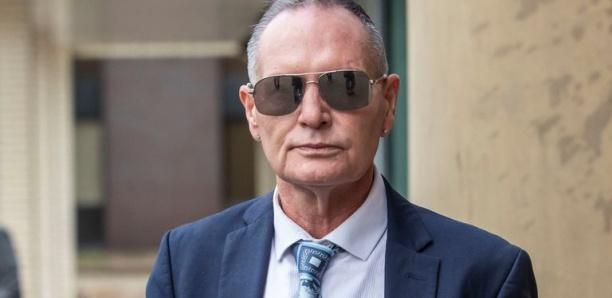 son procès pour agression sexuelle, Paul Gascoigne nie et essuie quelques larmes