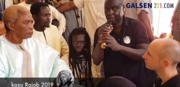 """Un """"Toubab"""" fait son Diébalou à Serigne Abdou Karim Mbacké"""