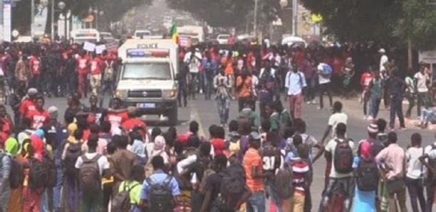 Colère - Réélection de Macky : Les Thiessois en masse dans la rue !