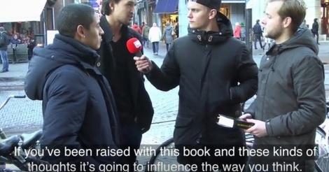 VIDEO- Ils lisent la Bible à des passants en leur faisant croire que c'est le Coran
