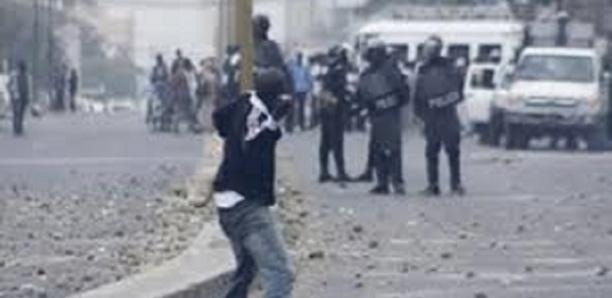 Violences à l'Ucad : Un étudiant a eu la jambe fracassée par les forces de l'ordre