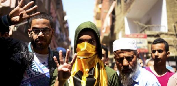 Égypte : confrontés à la répression et aux dissensions, les Frères musulmans font profil bas
