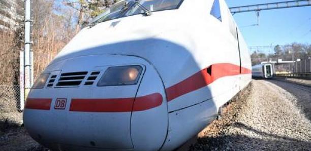 Effrayé par la vitesse, il arrête d'urgence un train Francfort-Paris