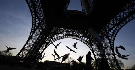 Tour Eiffel: Le Conseil de Paris vote la «paroi en verre» autour