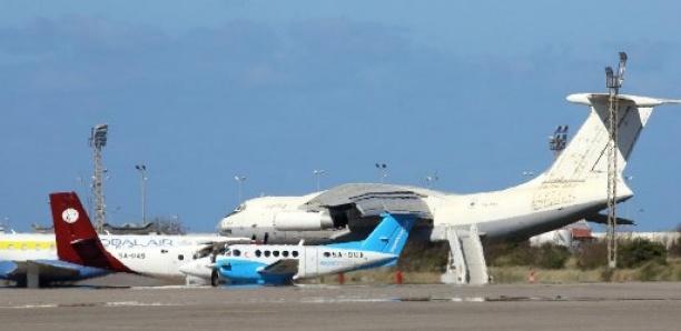 Libye: la trêve de l'Aïd brisée par des tirs de roquettes sur l'aéroport Mitiga