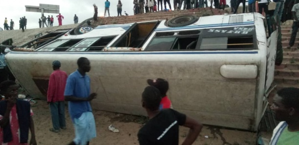 Accident Pont de l'émergence : Encore deux bus Tata qui se livrent à une course