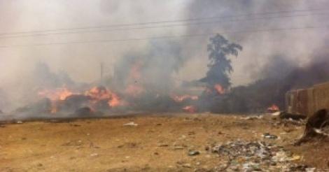 URGENT - Après Médina Gounass, le foirail de Diamaguène brûle ! Regardez
