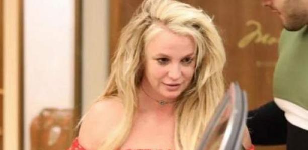 Britney sort de sa clinique psychiatrique pour les vacances de Pâques