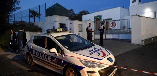 Attaque à la mosquée de Bayonne: les deux blessés dans un état