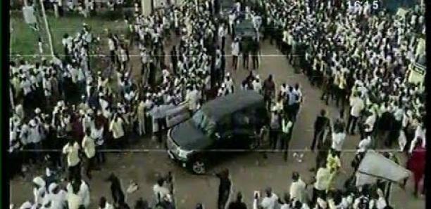 Conakry : l'arrivée d'Alpha Condé au Palais du peuple