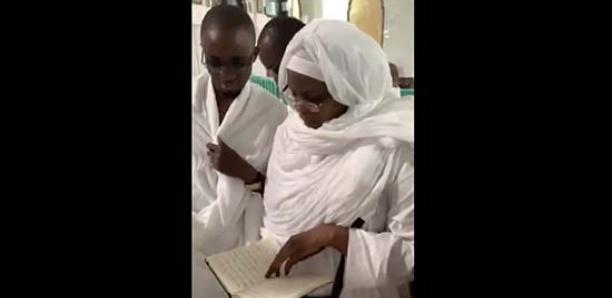 A la Mecque, Marème Faye Sall montre qu'elle maîtrise le Coran