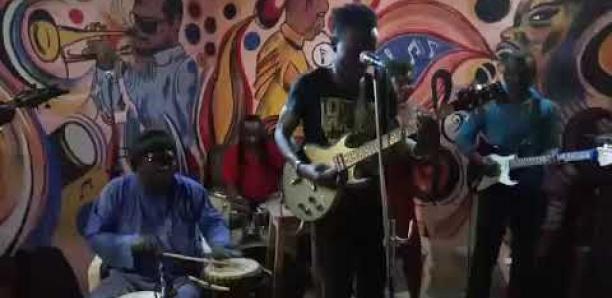 Cheikh, le fils de Souleymane Faye, entre en voix…