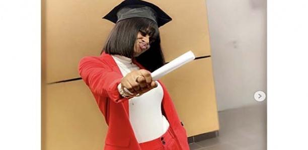 La sœur de Wally Seck, Aïcha, décroche son diplôme