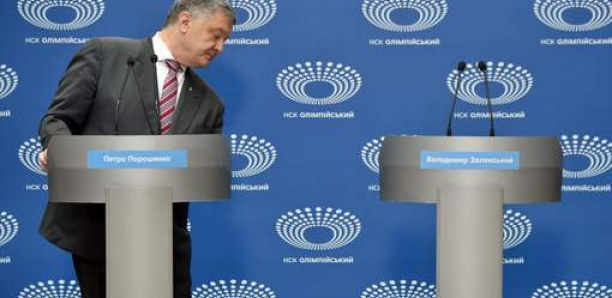 Son rival absent, Porochenko mène le débat... tout seul