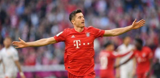 Bundesliga : le Bayern domine Union Berlin, Dortmund mis en échec par Schalke 04