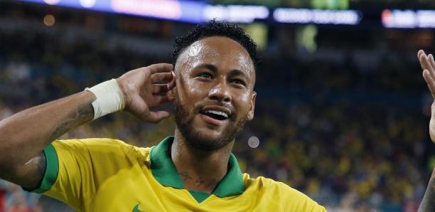 Neymar buteur et passeur pour son retour avec la Seleçao