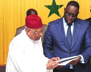 Rencontre Avec Ses Alliés : Macky Crache Sur La Nouvelle Constitution De Mbow