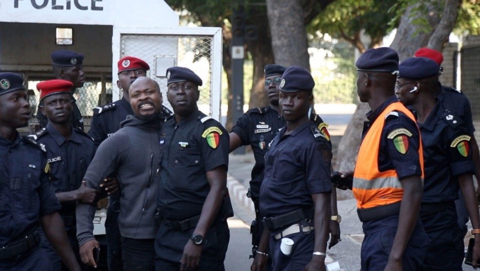 Guy Marius Sagna marche palais 04 - Senenews - Actualité au Sénégal, Politique, Économie, Sport